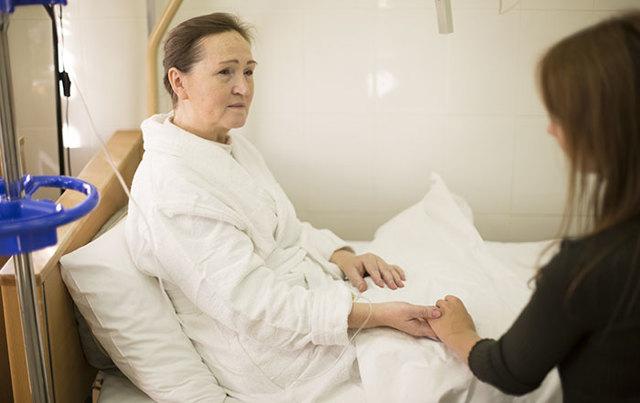 Лечение рака яичника 3-4 стадии малоинвазивными методами. Ликвидация асцита. Лапароскопическая операция. Химиотерапия.